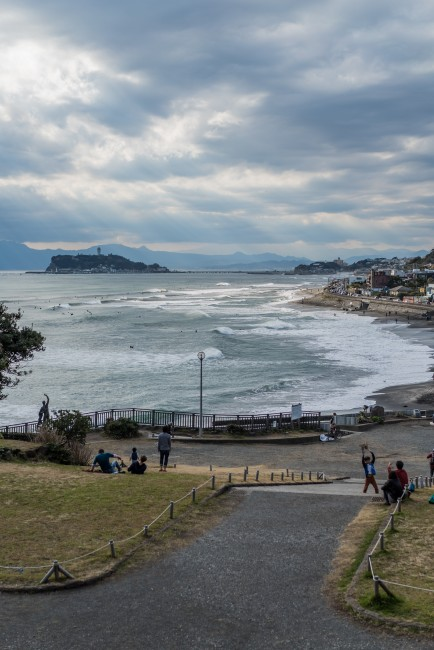 overview of Inamuragasaki beach in Kamakura