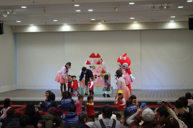 cute stage performance at the anpanman museum