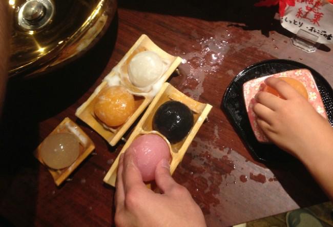 Follow shopping with sampling at Yokohama Red Brick Warehouse's ball soap store, Yokohama Port