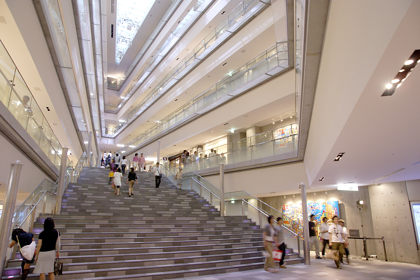 Admire Japan's architecture and who designed them
