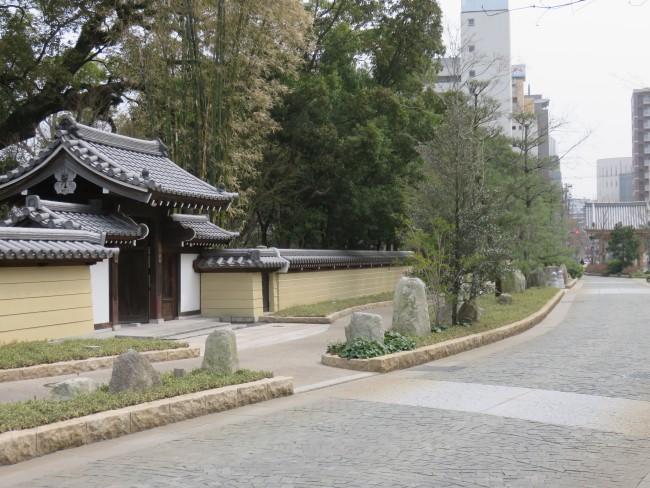 Fukuoka Jotenji avenue, before Jotenji Zen temple