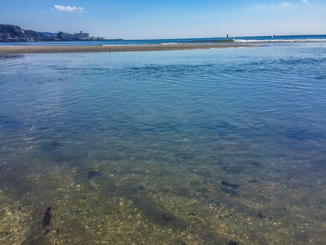 clear waters of Yuigahama Beach