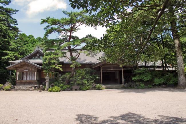Traditional Japanese building near Kirishima Jingu Shrine.