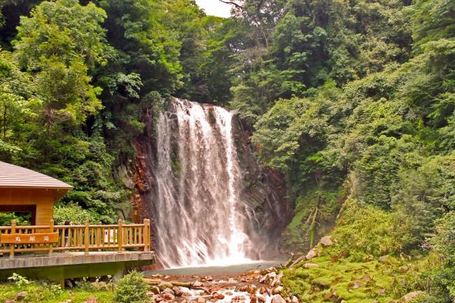 Marunotaki waterfall surrounded by nature in Kagoshima.