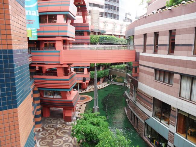ramen resturaunt stadium is located on the 5th floor Cinema Building at Canal City Hakata, Fukuoka