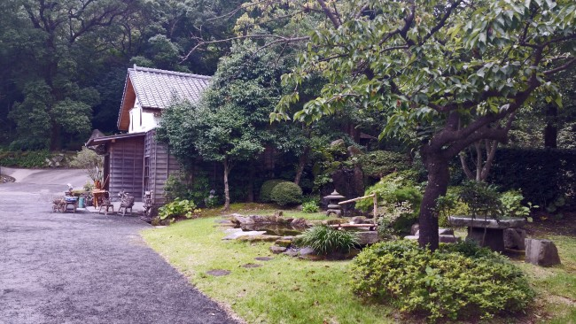 Kagoshima Sengan-en craft shop with a little garden of nature off the side.