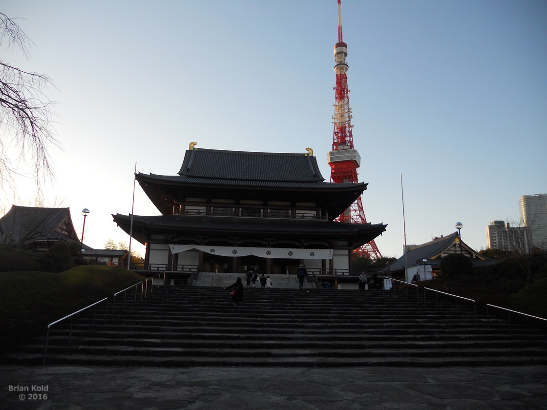 An iconic image of Tokyo with history at Zojoji Temple