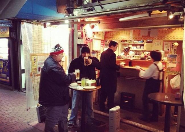 Tachigui stand-up Japanese ramen noodles bar along street