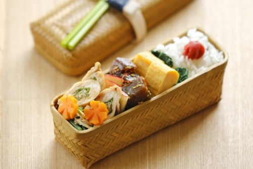 Most bento boxes can be found in 100 yen shop in Japan