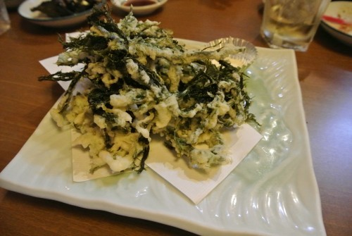 Instead of katsuo no tataki, there's also fried seaweed in Kochi.