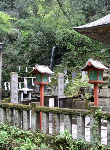 while hiking in takao,you can find several temples