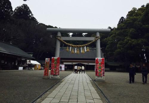 Solemn Tokiwa Jinja shrine abutting Kairakuen Garden, uncolored by plum blossoms, Ibaraki Prefecture
