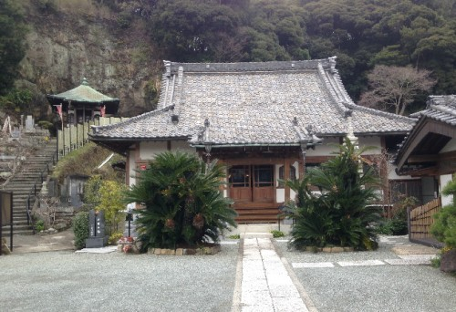 Yakuoji Temple, one temple by Kamegayatsuzaka Pass, Kamakura