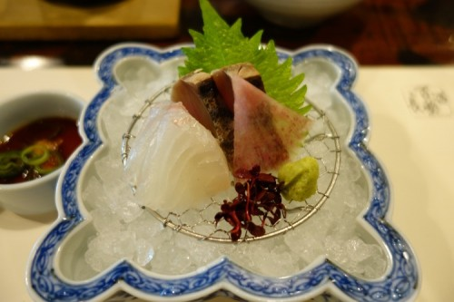 Otsukuri (お造り), a sashimi dish of sea bream and skipjack tuna.