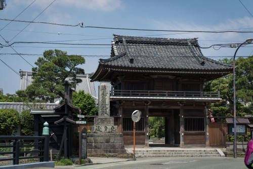 here is a temple while exploring kamakura