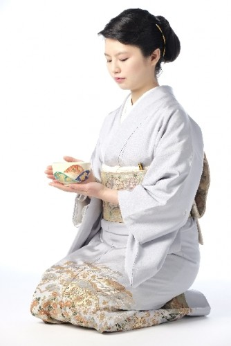 During Japanese tea ceremony session, you have to do seiza