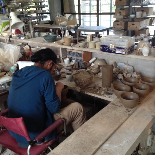 Craft working in Amakusa pottery village attract every one walking through here