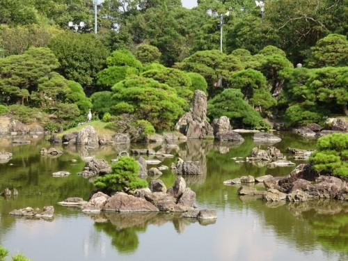 ohanatei garden looks a typical style of Japanese garden