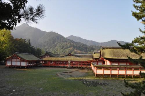 itsukushima shrine miyajima