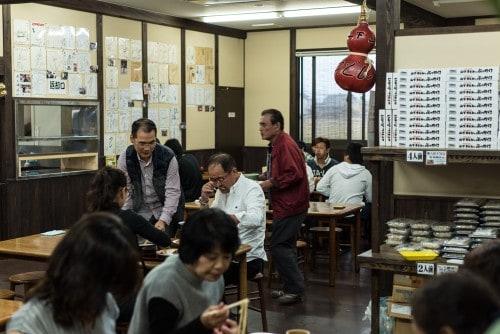 Ein beliebter Udon Laden Kagawa, Shikoku, Japan