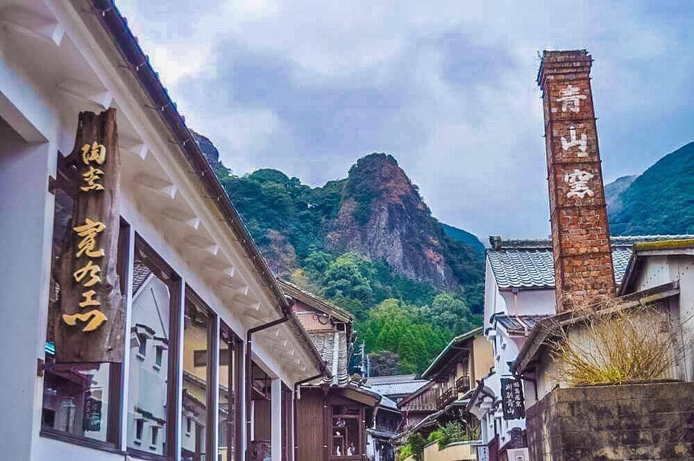 Visit Ookawachiyama, the Imari-yaki Pottery Village