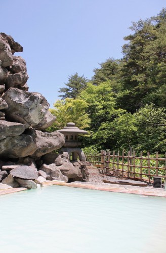 Takayu Onsen (高湯温泉) - a small hot spring resort only 18 km away from Fukushima City, in the Tohoku Region.