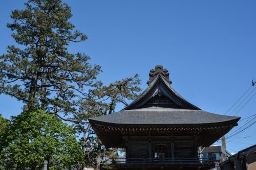Temple roof in Murakami
