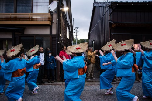 Yoi No Mai (宵乃舞) festival is held in Aikawa town on Sado island.