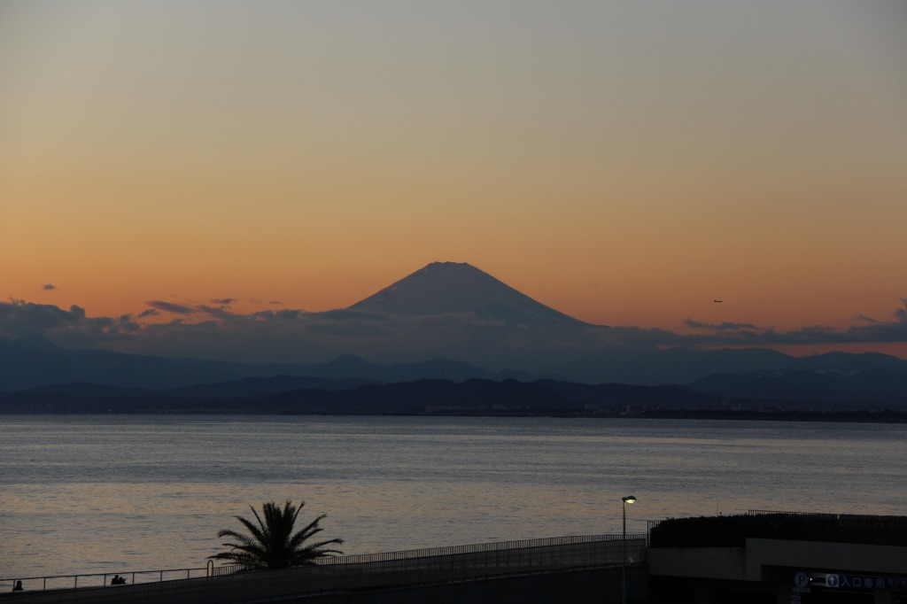 Enoshima: Stay in Ryokan with over 700 years of History… and Check Out Mt.Fuji!