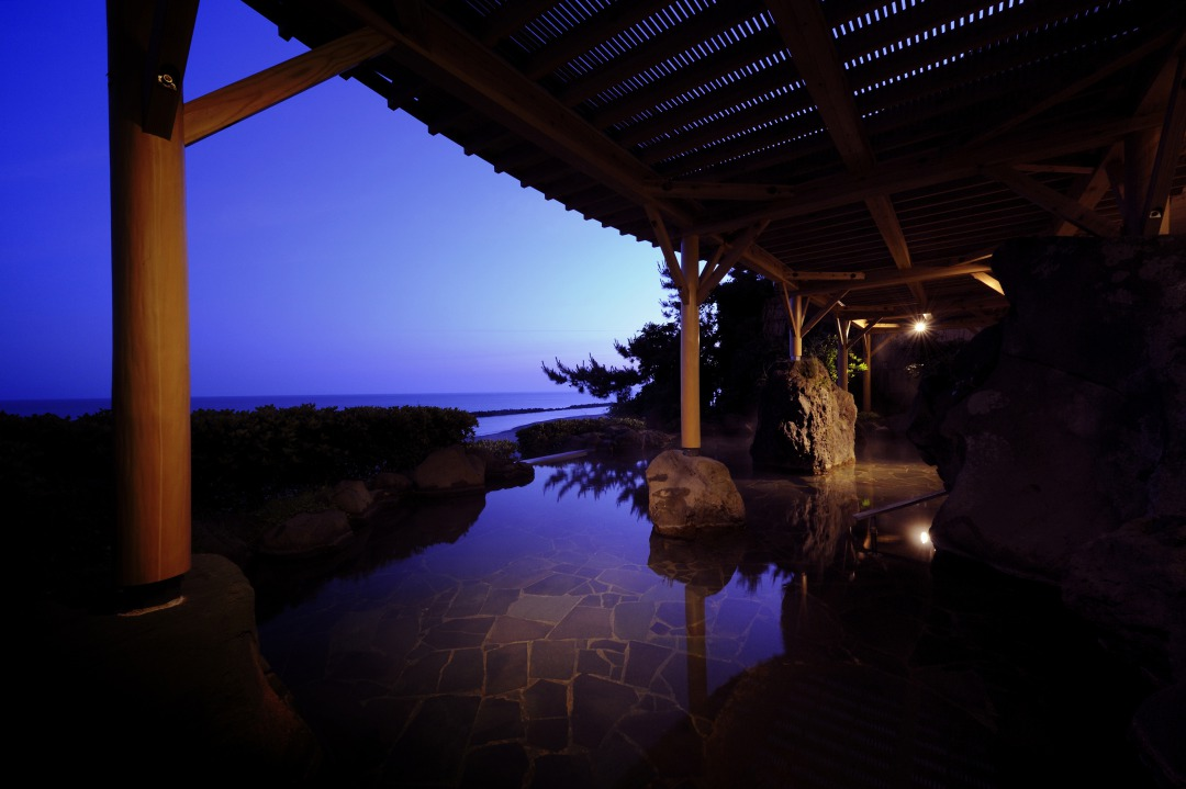 Senami Onsen: Hot Springs and Beautiful Sunsets in Murakami