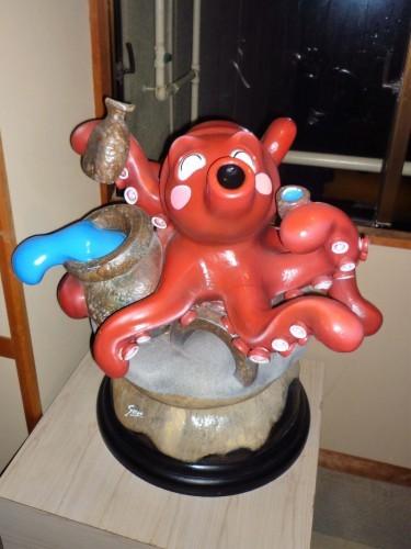 Octopus statue at Senami Onsen, Murakami.