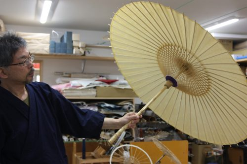 An umbrella craftsman of the Udatsu district of Mima town, Tokushima.