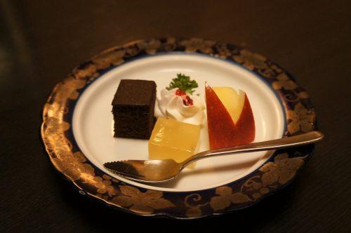 Kaiseki dinner at Tokouen ryokan in Kaike Onsen, San'in region, Japan